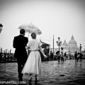 wedding singing in the rain at Venice